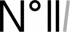 THREEのロゴ